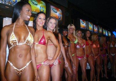 Bar und Grill Bikini Contest