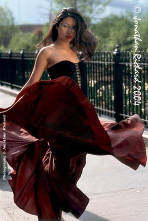 NYC Fashion Editorial......FORAVI ....NYC - Styling by Jonathan ..FORAVI...  NYC (© Jonathan Richard 2004)