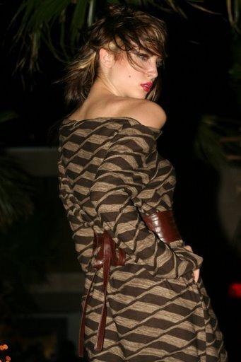 Pink Brownie by Jennifer Jaye -model London-Runway