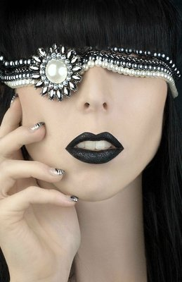 Upscale Borg -  (Kelly Ealy)