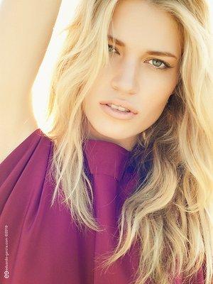Shannon Baucom @ No Ties Management - Photographer: Eduardo Garcia Agency: No Ties Management Model: Shannon Baucom Makeup and Hair: Ash Mathews Wardrobe: Vo.cab.u.lar.y Boutique (©Eduardo Garcia)