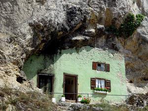 cliff dwellers - Kallmunz, Oberpfalz, Bavaria, Germany (jjwechs)