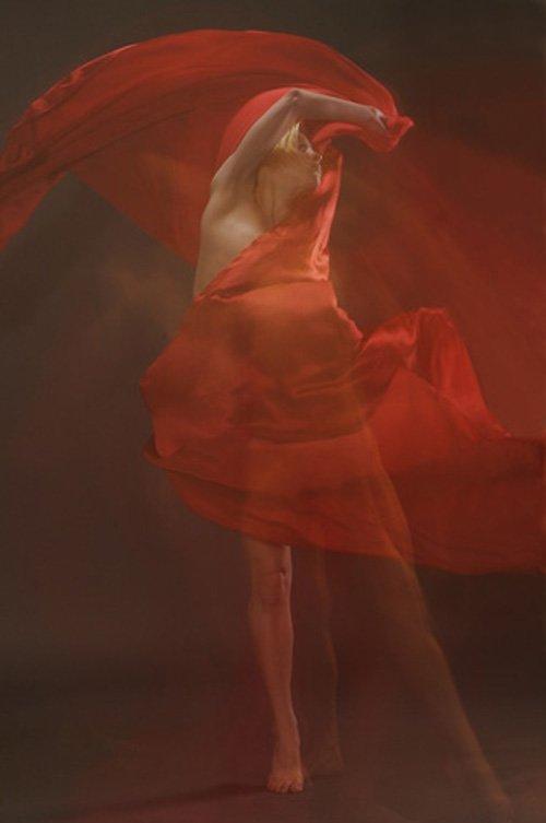 danseur en rouge  by Mary Durante Youtt