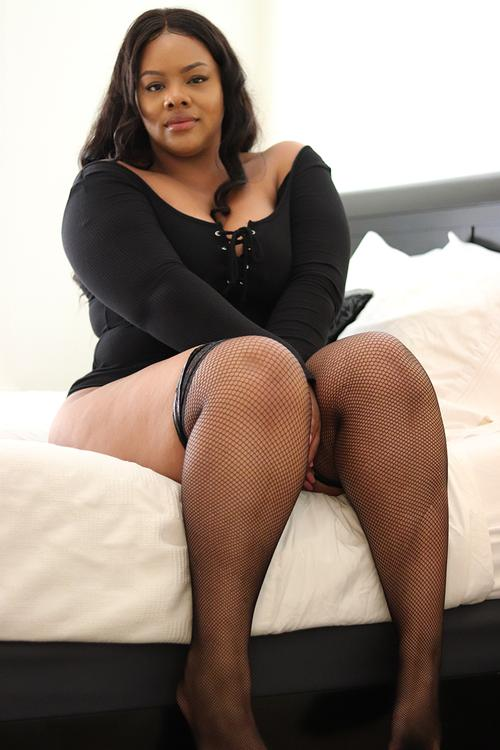 WM Gorgeous full figured model I had the pleasure of working with.
