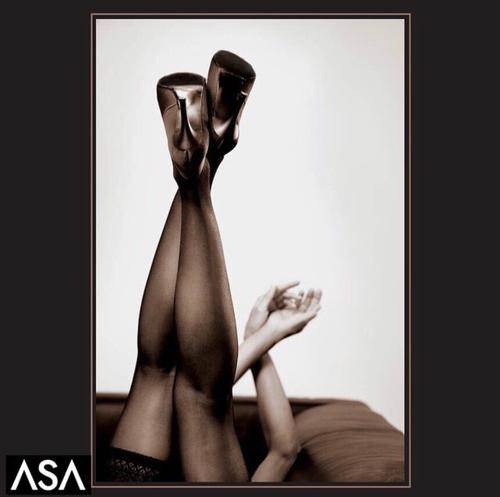 "Head Under Heels <a href=""/tags/?tag=model"">#model</a>  <a href=""/tags/?tag=fineart"">#fineart</a>  <a href=""/tags/?tag=boudoir"">#boudoir</a>  <a href=""/tags/?tag=heels"">#heels</a>  <a href=""/tags/?tag=stockings"">#stockings</a>"