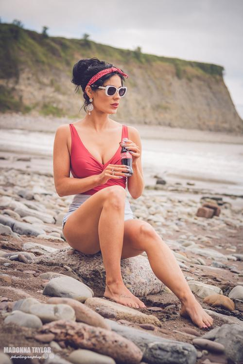 Pinup @ the beach #pinup  #cocacola  #beach  #hot  #vintage  #pose  #retro  #photography  #outdoors  #naturallight  #modelling  #flashback