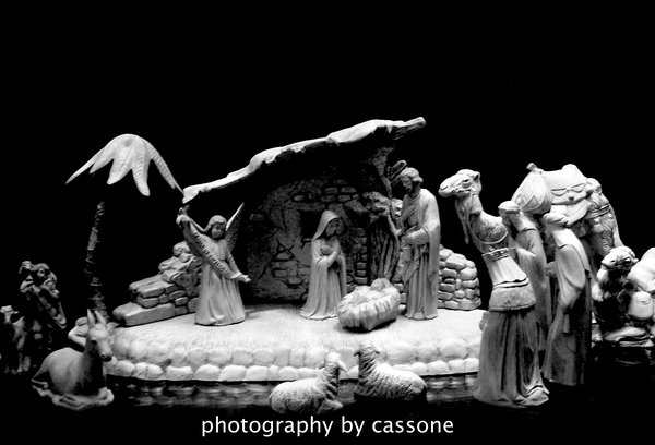 Nativity (2010) from CHRISTMAS IN JULY 2010 feature of Decorations and Designs by D. Paul Miller, AIFD with Bob Drews and David Paul Miller